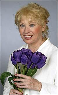 Lois Nettleton, Beyond the Rim